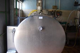 Serbatoio refrigerato per conservazione latte in stalla